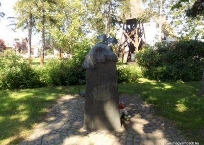 Nyíracsád világháborús emlékmű 2017.06.22. küldő-kalyhas (3)