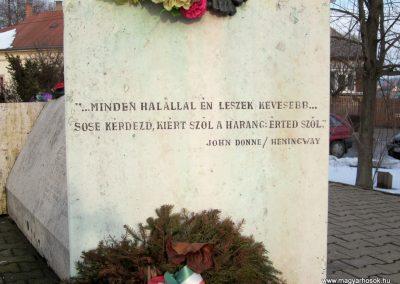 Nyíradony világháborús emlékmű 2014.02.07. küldő-kalyhas (3)