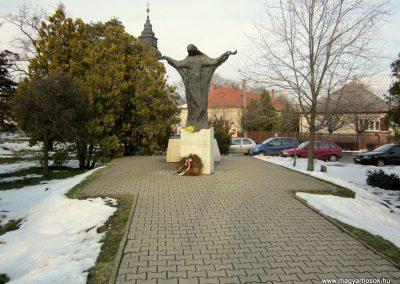 Nyíradony világháborús emlékmű 2014.02.07. küldő-kalyhas