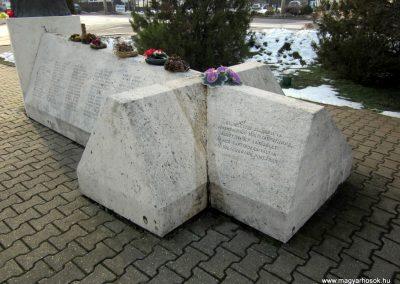 Nyíradony világháborús emlékmű 2014.02.07. küldő-kalyhas (8)