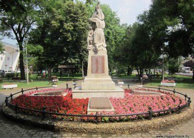 Nyírbátor világháborús emlékmű 2013.06.22. küldő-kalyhas (11)