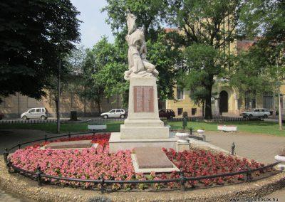 Nyírbátor világháborús emlékmű 2013.06.22. küldő-kalyhas (15)