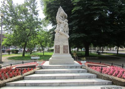 Nyírbátor világháborús emlékmű 2013.06.22. küldő-kalyhas (2)