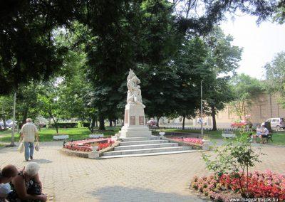 Nyírbátor világháborús emlékmű 2013.06.22. küldő-kalyhas (20)