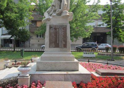 Nyírbátor világháborús emlékmű 2013.06.22. küldő-kalyhas (8)