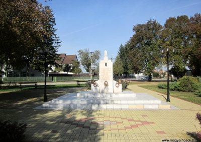 Nyírbéltek hősi emlékmű 2013.10.11. küldő-kalyhas (1)
