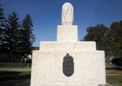 Nyírbéltek hősi emlékmű 2013.10.11. küldő-kalyhas (3)