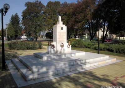 Nyírbéltek hősi emlékmű 2013.10.11. küldő-kalyhas (6)