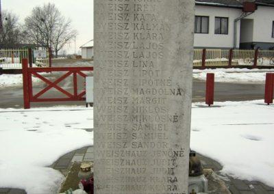 Nyírbogát világháborús emlékmű 2014.02.07. küldő-kalyhas (15)