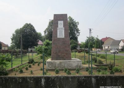 Nyírcsászári világháborús emlékmű 2013.06.22. küldő-kalyhas (8)