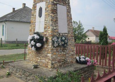 Nyírderzs világháborús emlékmű 2013.06.22. küldő-kalyhas (9)