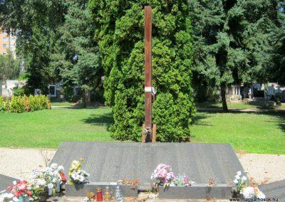 Nyíregyháza Északi temető. Elhurcoltak és hadifoglyok emlékműve. 2017.07.16. küldő-Emese (5)