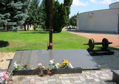 Nyíregyháza Északi temető. Elhurcoltak és hadifoglyok emlékműve. 2017.07.16. küldő-Emese (6)