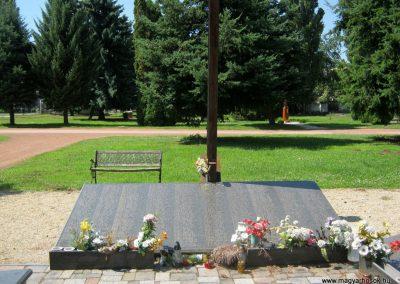 Nyíregyháza Északi temető. Elhurcoltak és hadifoglyok emlékműve. 2017.07.16. küldő-Emese (7)
