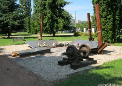 Nyíregyháza Északi temető. Elhurcoltak és hadifoglyok emlékműve. 2017.07.16. küldő-Emese (8)