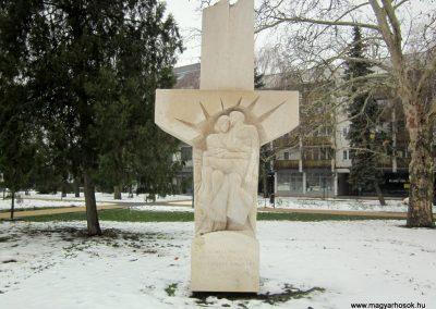 Nyíregyháza II. világháborús emlékmű 2014.02.07. küldő-kalyhas (2)