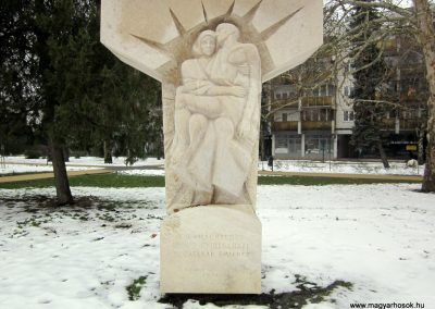 Nyíregyháza II. világháborús emlékmű 2014.02.07. küldő-kalyhas (3)