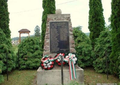 Nyíri világháborús emlékmű 2012.06.08. küldő-megtorló (1)