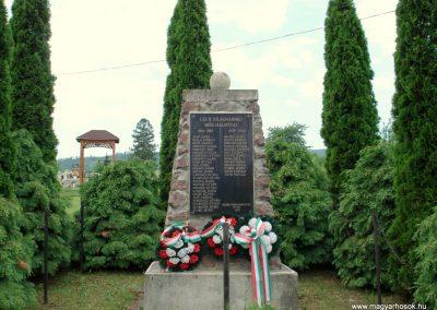 Nyíri világháborús emlékmű 2012.06.08. küldő-megtorló (3)