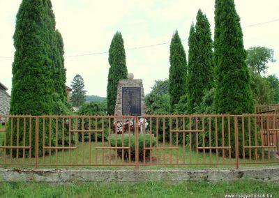 Nyíri világháborús emlékmű 2012.06.08. küldő-megtorló