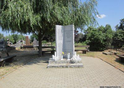 Nyírjákó világháborús emlékmű 2013.07.08. küldő-kalyhas (1)
