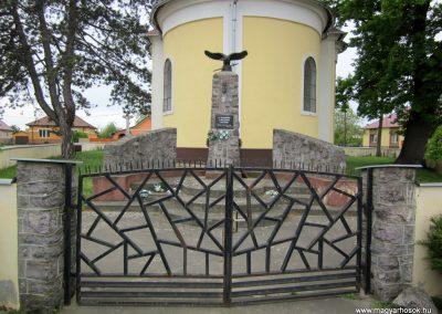 Nyírkáta II. világháborús emlékmű 2014.04.25. küldő-kalyhas (1)