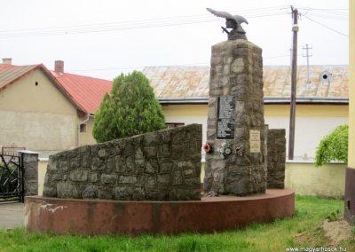 Nyírkáta II. világháborús emlékmű 2014.04.25. küldő-kalyhas (7)