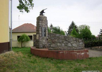 Nyírkáta II. világháborús emlékmű 2014.04.25. küldő-kalyhas (9)