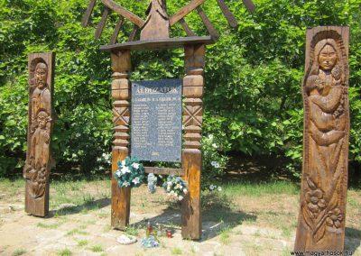 Nyírkércs világháborús emlékmű 2013.07.08. küldő-kalyhas (5)