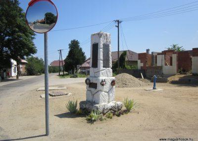 Nyírkarász világháborús emlékmű 2013.07.08. küldő-kalyhas (4)