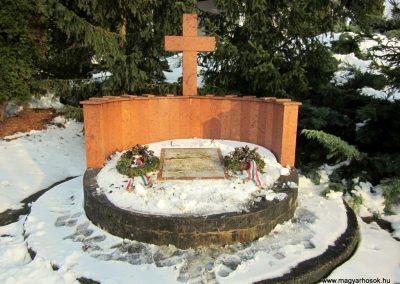 Nyírlugos II. világháborús emlékmű 2014.02.07. küldő-kalyhas (2)