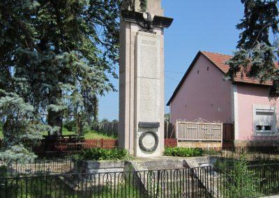 Nyírmada I. világháborús emlékmű 2013.07.08. küldő-kalyhas (1)