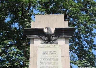 Nyírmada I. világháborús emlékmű 2013.07.08. küldő-kalyhas (3)