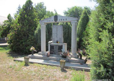 Nyírtura világháborús emlékmű 2013.07.08. küldő-kalyhas (6)