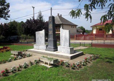 Nyírvasvári világháborús emlékmű 2014.08.04. küldő-kalyhas (10)