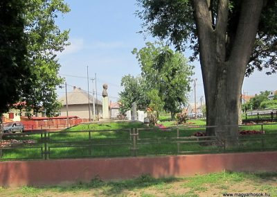 Nyírvasvári világháborús emlékmű 2014.08.04. küldő-kalyhas (11)