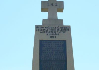Nyújtód hősi emlékmű 2011.06.23. küldő-Sümec (3)