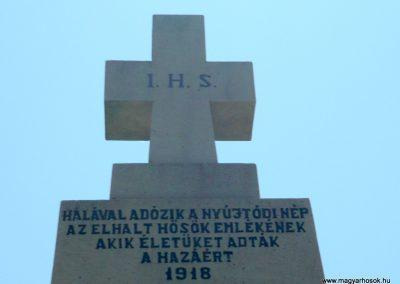 Nyújtód hősi emlékmű 2011.06.23. küldő-Sümec (4)