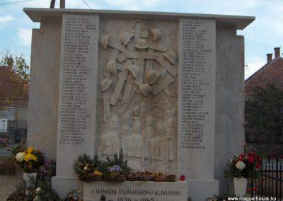 Nyúl világháborús emlékmű 2006.11.08.küldő-Hege