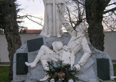 Nyőgér I.vh emlékmű 2008.01.27. küldő-Tamás2 (1)
