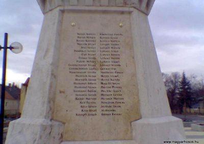 Nyergesújfalu I.vh emlékmű 2008.02.11.küldő-Ágca (3)