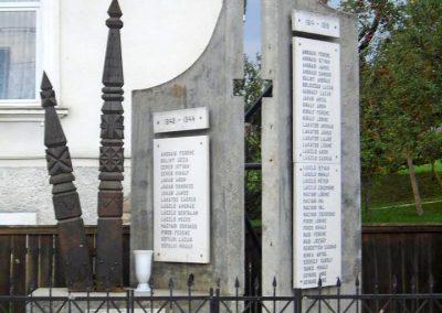 Nyikómalomfalva világháborús emlékmű 2015.09.24. küldő-Mónika39