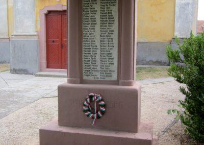 Nyirád I.világháborús emlékmű 2013.08.22. küldő-kalyhas (1)