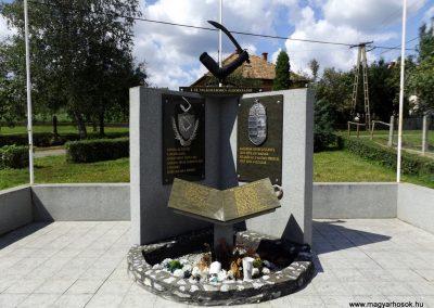 Nyomár világháborús emlékmű 2014.08.17. küldő-kalyhas (2)
