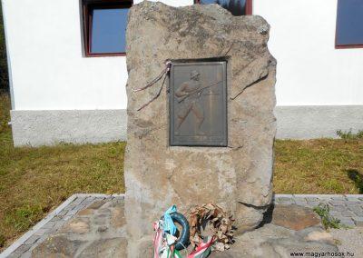 Ojtoz világháborús emlékmű 2019.06.11. küldő-Fehér Mónika (2)