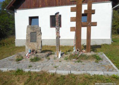 Ojtoz világháborús emlékmű 2019.06.11. küldő-Fehér Mónika