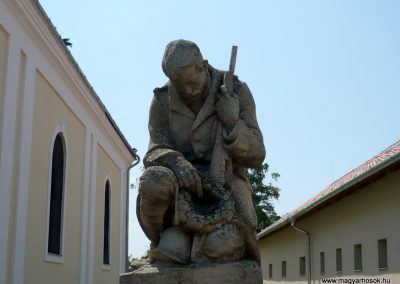 Okány világháborús emlékmű 2014.07.17. küldő-Sümec (1)