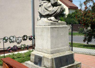 Okány világháborús emlékmű 2014.07.17. küldő-Sümec (9)