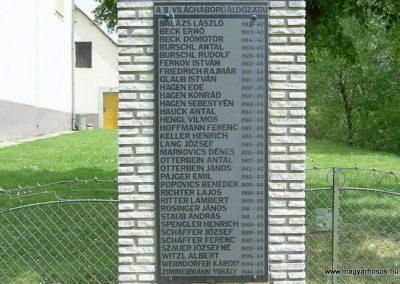 Olasz világháborús emlékmű 2011.05.21. küldő-Bagoly András (10)