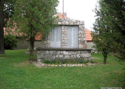 Olaszfalu világháborús emlékmű 2010.07.24. küldő-kalyhas